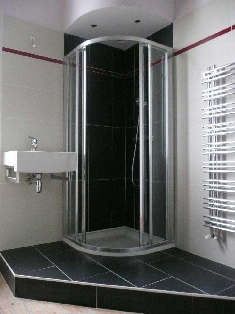 Cabine de douche à angle avec pare-douche semi-rond